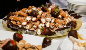 Assorted Canoli & Chocolate Covered Strawberries